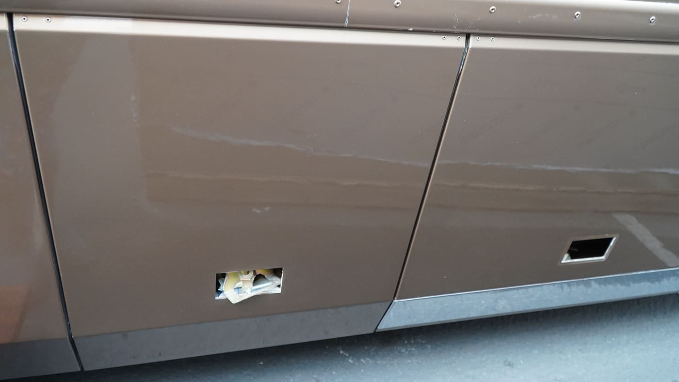 RV Bay Door Repair Near Me